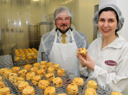 Pic 4   Shemas Eivers  Boole investment syndicate and Denise O Callaghan  Delicious  The Gluten Free Bakery Thumbnail0